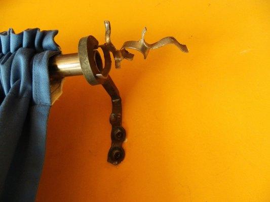 Barra para cortinas con aplique de forja de hierro